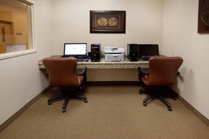 candlewood-office